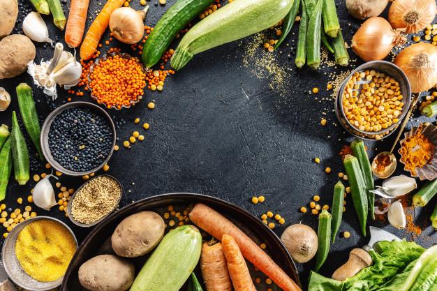 7-Motivos para você cuidar da sua saúde mental nutricao saudavel proteinas gorduras carboidratos dieta equilibrada cozinhar culinaria e conceito de comida 3