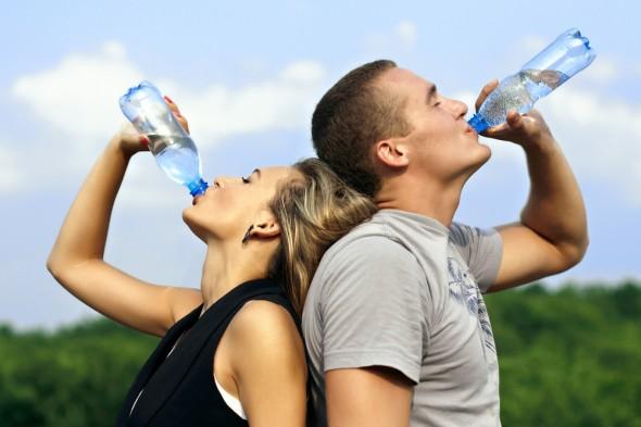 As melhores maneiras de reduzir o calor do corpo As melhores maneiras de reduzir o calor do corpo h9j182